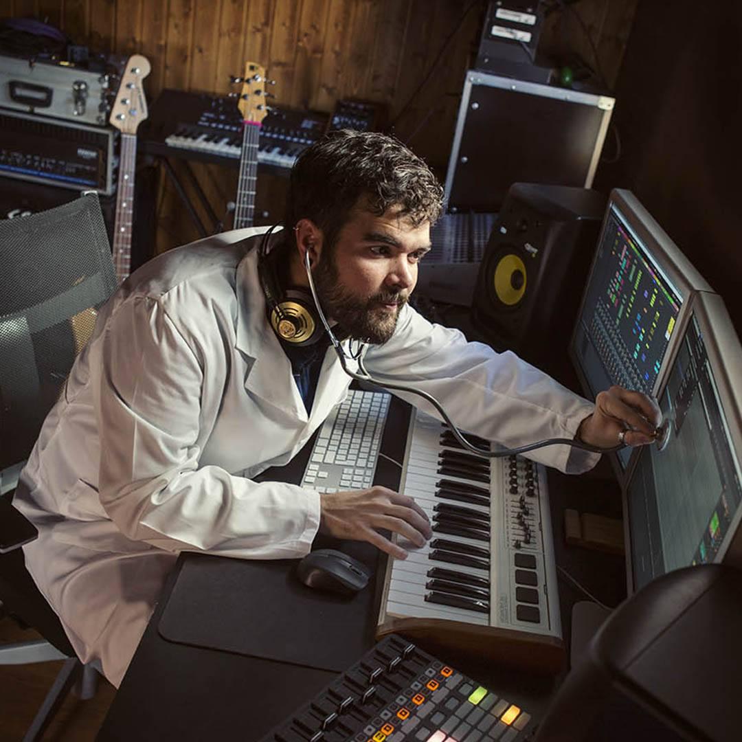Profesor de música electrónica   Rock Experience escuela musical Murcia y Alicante